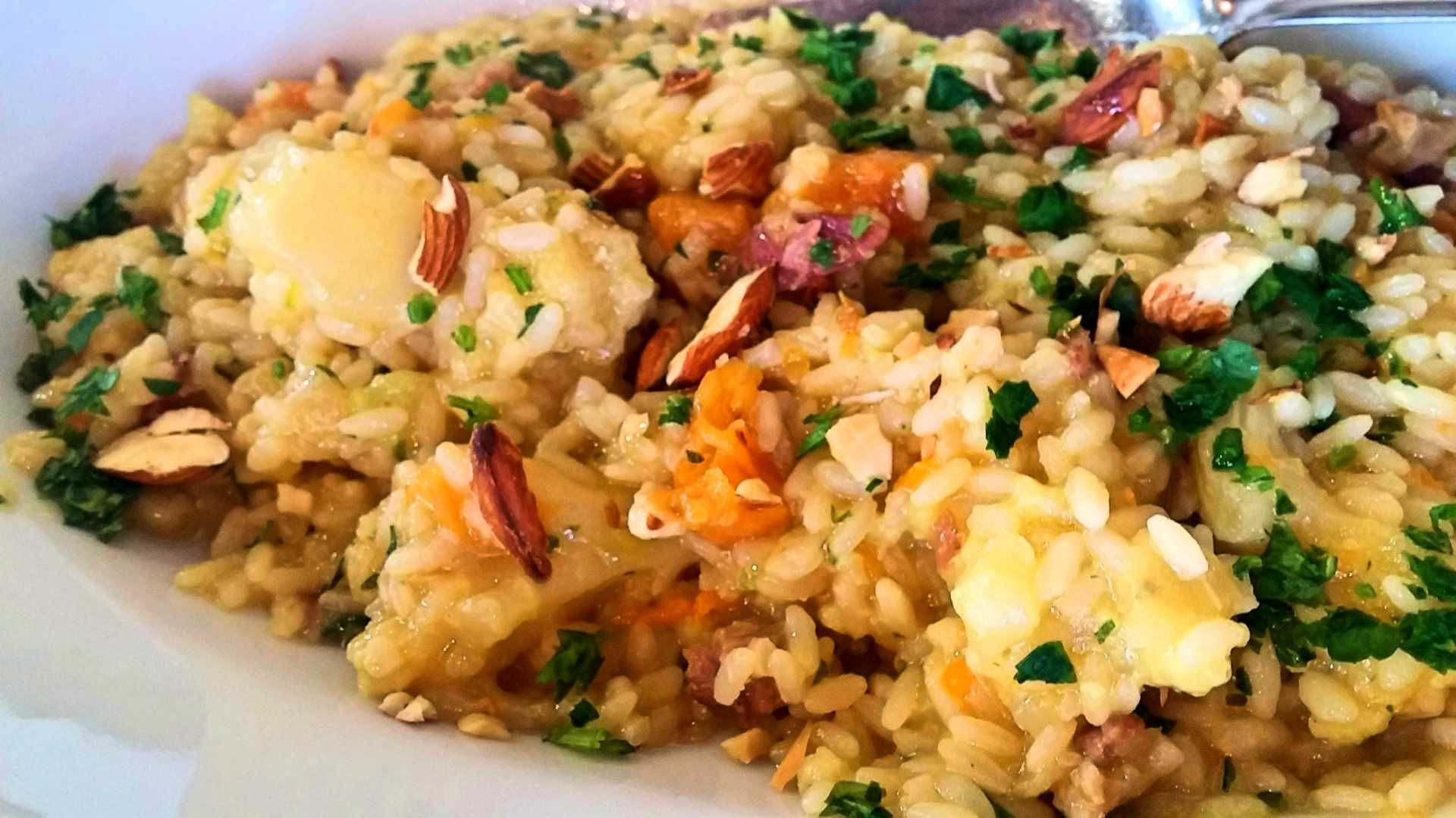 risotto with meat sauce and mushrooms